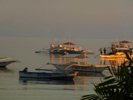 Dreamy boats at Alona beach