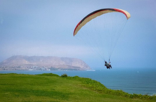 Paragliding from the Prom
